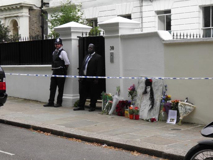 30 camden square darkest london for Camden home